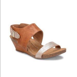 Söfft Leather Wedge Sandals.